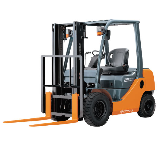 1 0 3 5 tonne 8 series 4 wheel forklift mashgate. Black Bedroom Furniture Sets. Home Design Ideas